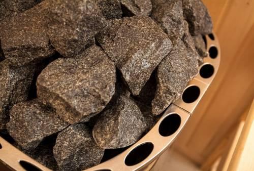 Камни для бани: полезный и правильный выбор